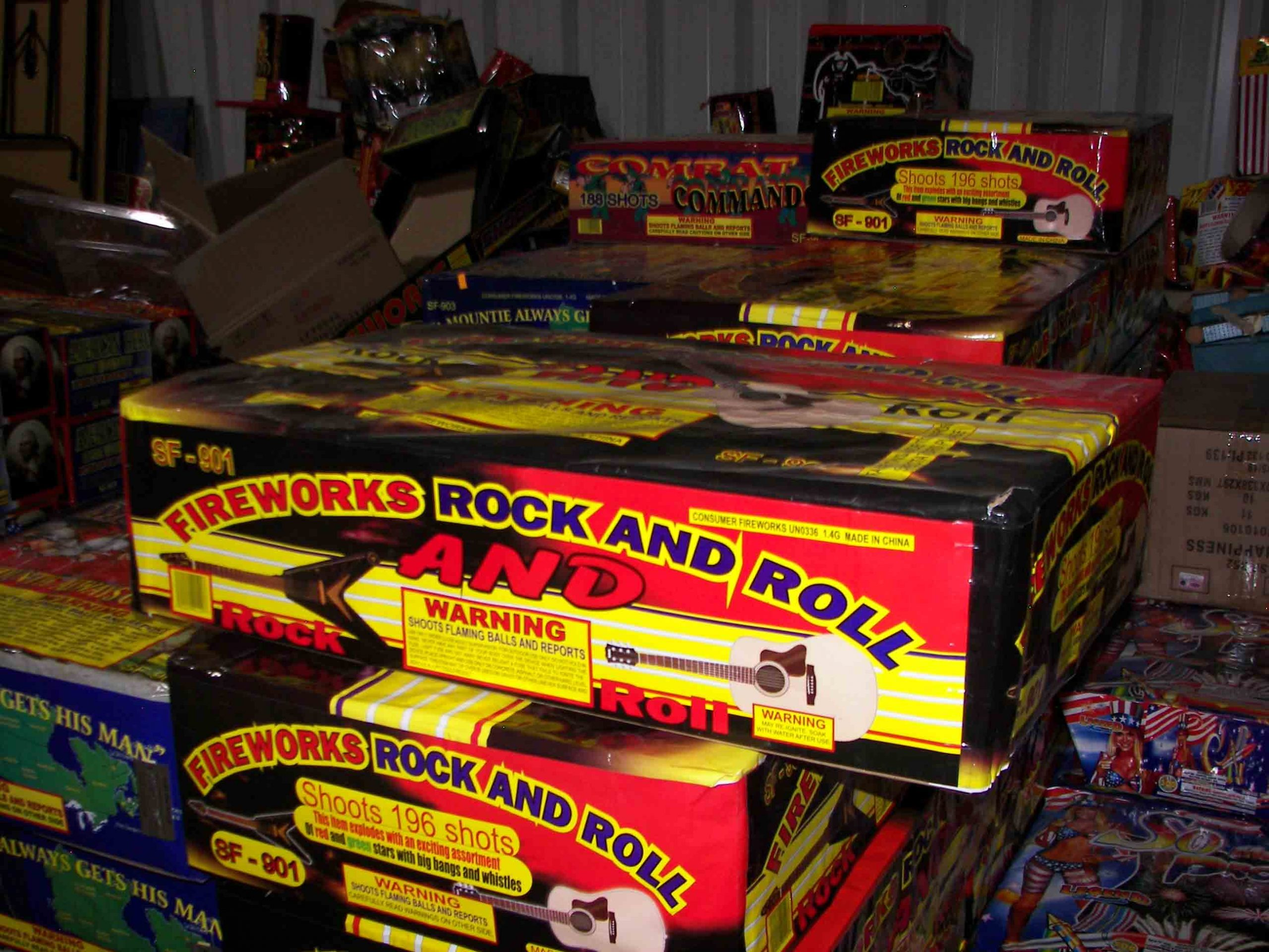 FIREWORKS ROCK AND ROLL (A 500 gram, grand finale) Image